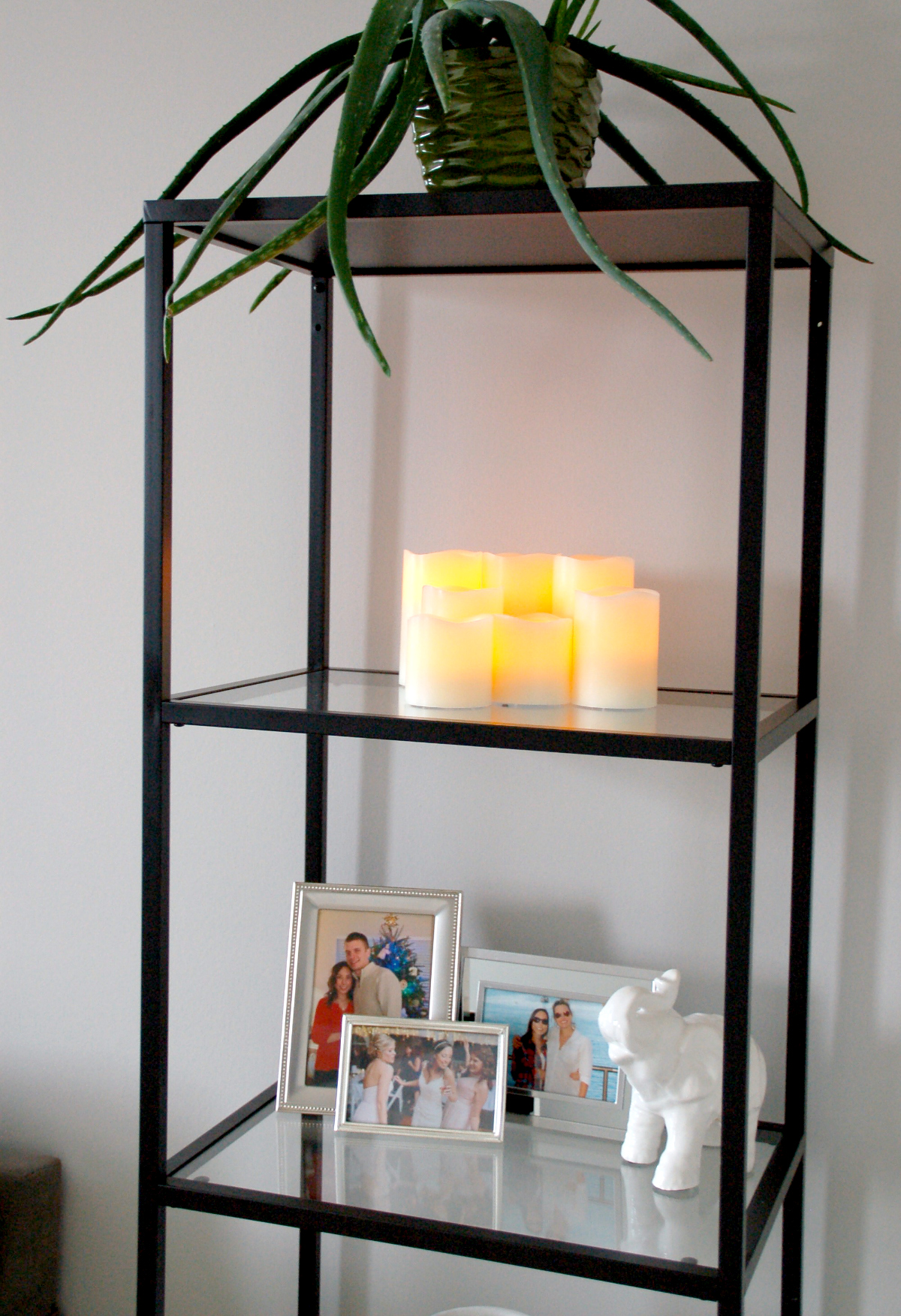 how to decorate the ikea vittsjo shelf unit simply nicole. Black Bedroom Furniture Sets. Home Design Ideas