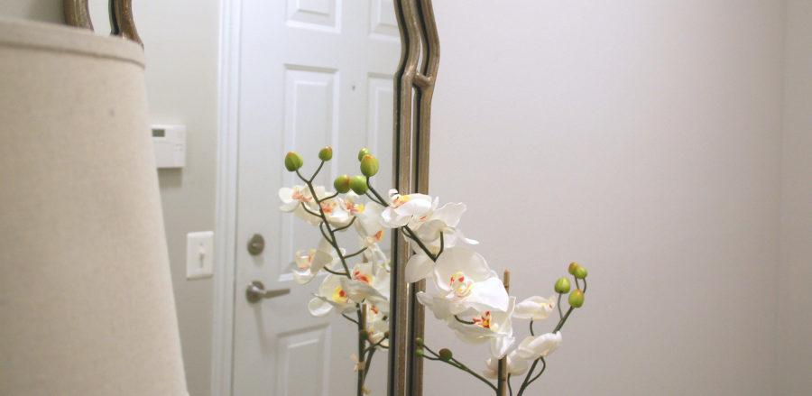 apartment foyer decor