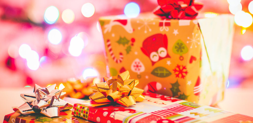 How to Keep Track of Your Holiday Shopping Lists plus free spreadsheet included